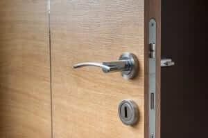 תיקון דלתות לעסקים